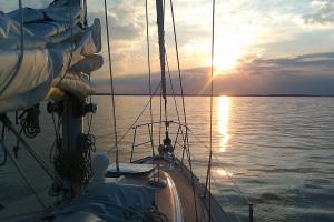 See Hexe at Sunset on Fleet's Bay